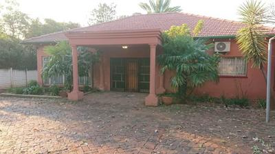 Property For Rent in Emmarentia, Johannesburg